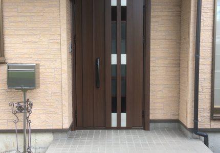 玄関ドアリフォーム工事「ドアリモ」