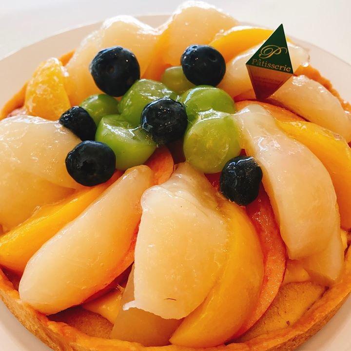 旬のフルーツを贅沢に!!「フルーツタルト」