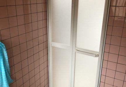 開閉スムーズで安全な浴室折戸🚪
