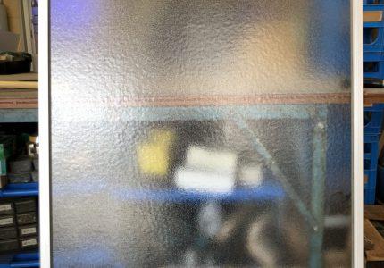型ガラスでプライバシー保護🙈