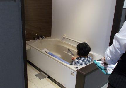 いいお風呂づくりにはやっぱりショールームに!!