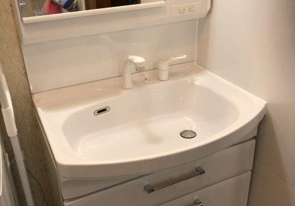ホーローが頼もしい洗面化粧台☝