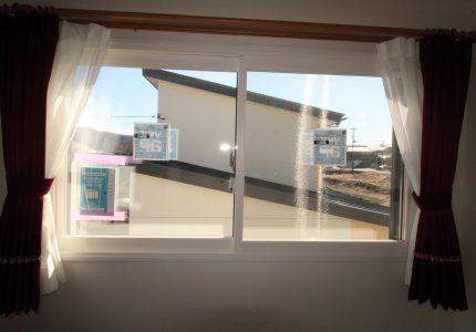 """窓からの寒さは""""内窓""""で解決🙋"""