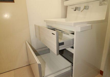 たっぷり収納できる洗面化粧台🎵