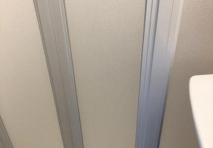 浴室折戸の面材が割れた💦