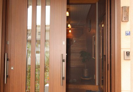 玄関引戸をより美しく快適に🎶